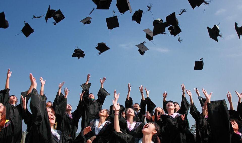 Dhuratat perfekte për ata që sapo janë diplomuar