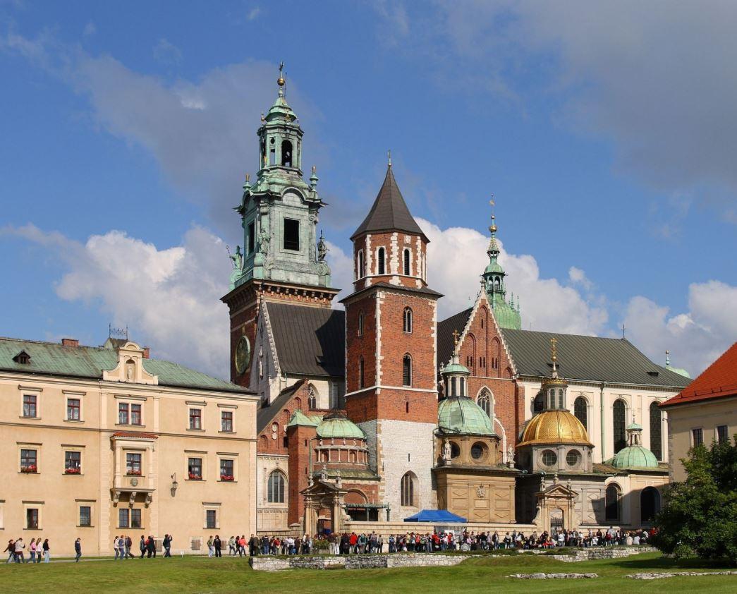 2017-08-25 11_31_42-Kraków - Wawel Cathedral 01 - File_Kraków - Wawel Cathedral 01.jpg - Wikimedia C