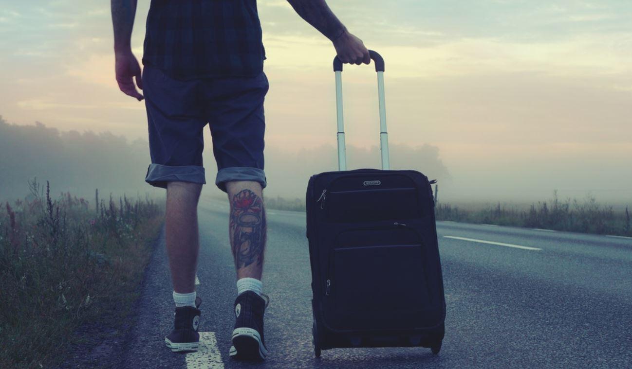 Këto gjëra mos i merrni kurrë me vete në një udhëtim!