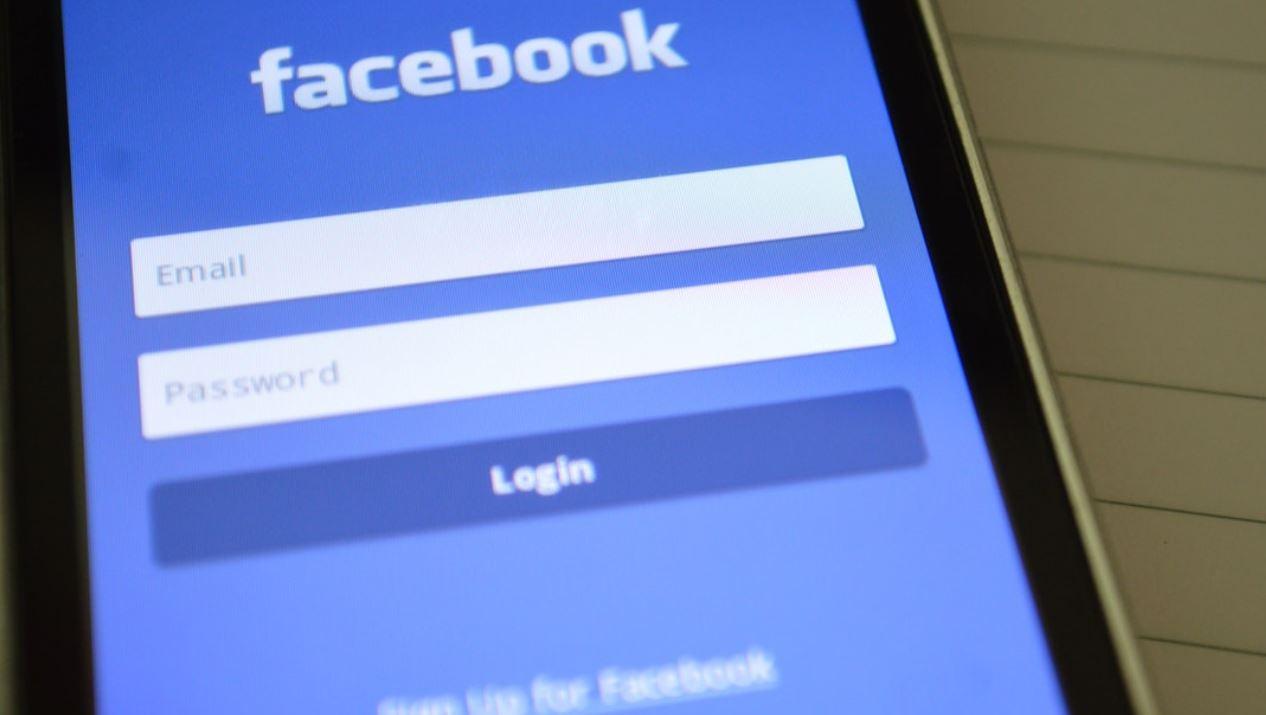 Facebook 'arrin' në miliona gjermanë të cilët nuk ekzistojnë