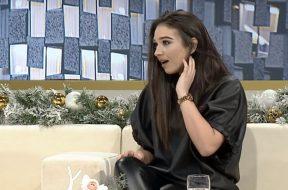 2017-12-22 12_17_39-Rudina_ Vellai dhe nena surprizojne Jonida Vokshin (21.12.17) - YouTube