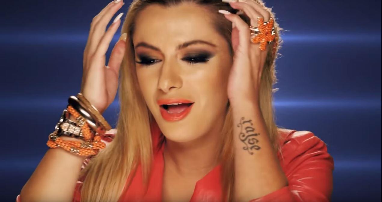 """Sabina Dana mes suksesit dhe familjes… Premton një rikthim """"hit"""" në jetën artistike"""