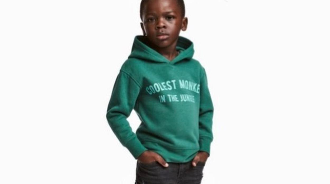 """""""H&M"""" akuzohet për racizëm. Ky është imazhi që ka shkaktuar polemika pafund"""