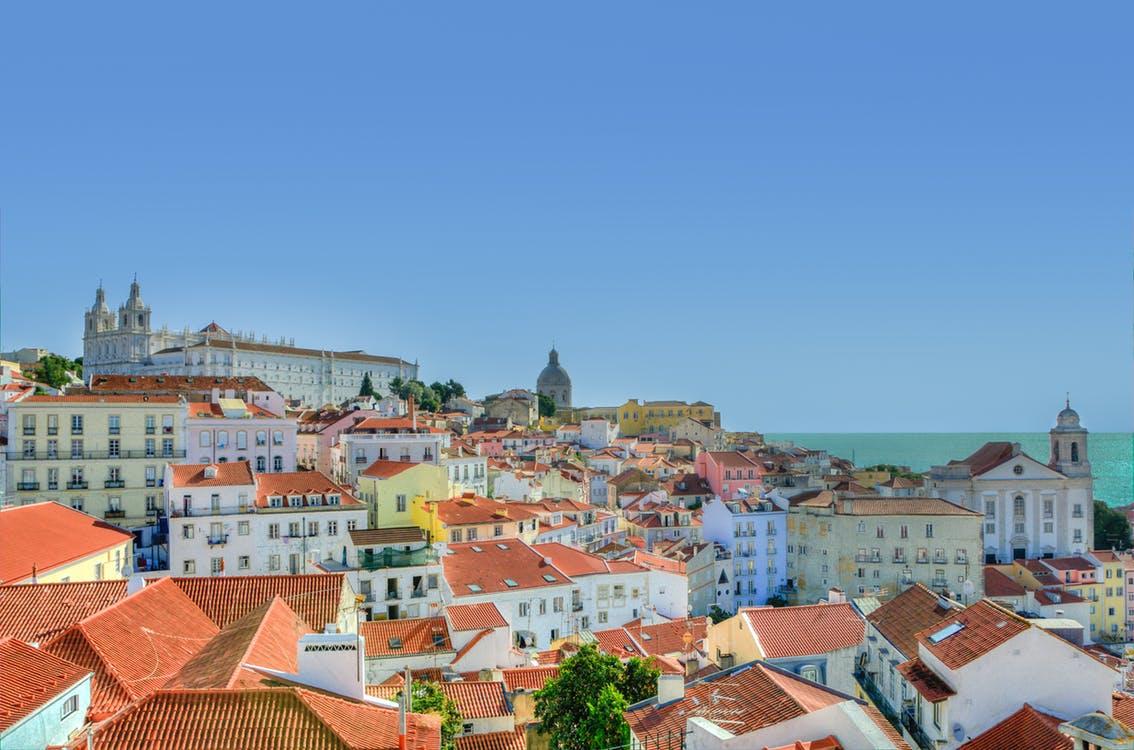 Portugalia thyen rekord 20 milionë vizitorë vetëm në vitin 2017