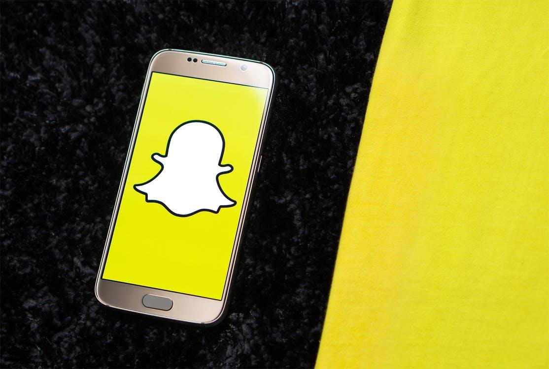 Si të rishikoni storit e Snapchat që keni parë tashmë pas dizajnit të ri