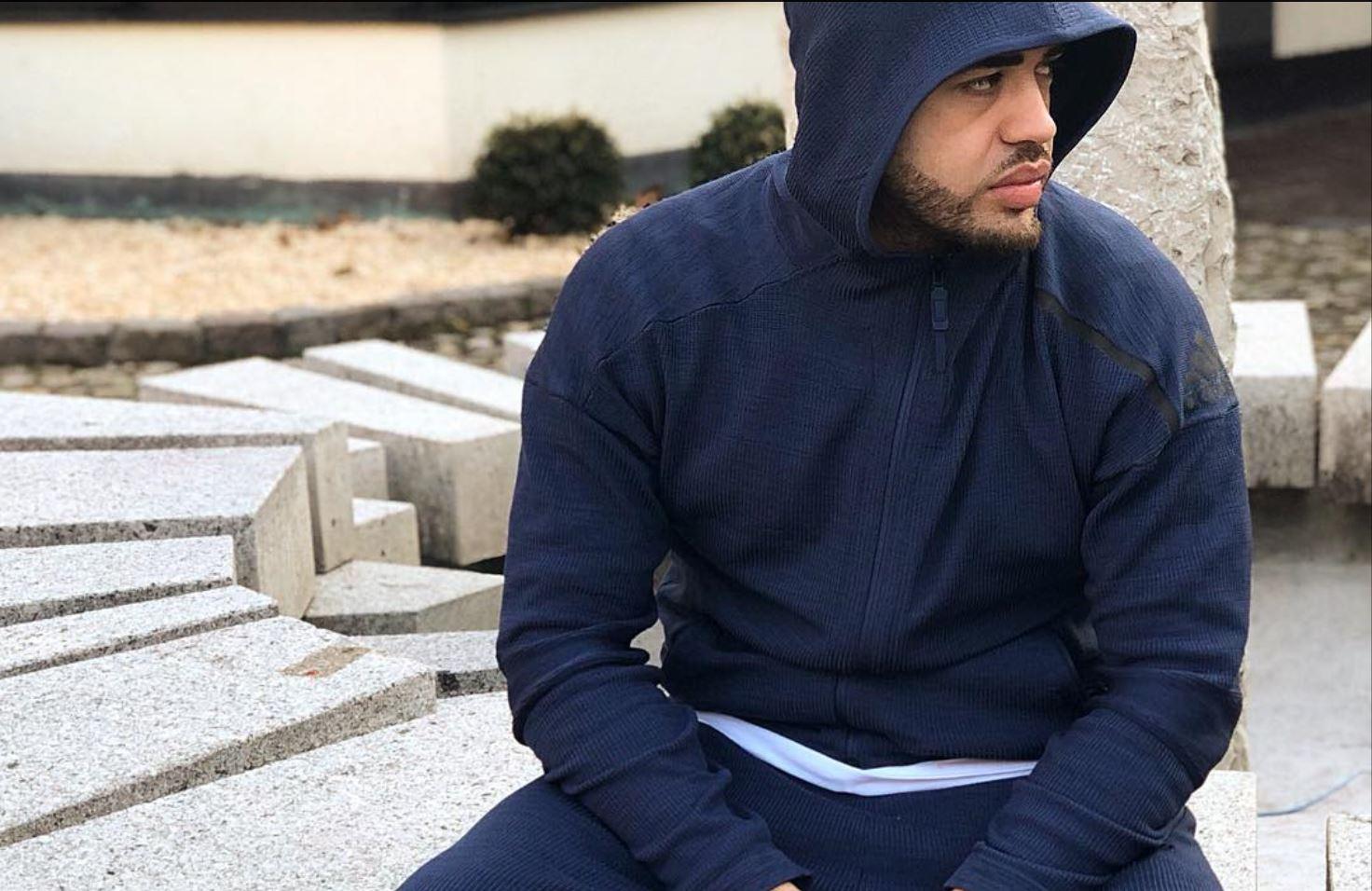 Nuk është as makinë dhe as orë, Noizy blen fiksimin e fundit