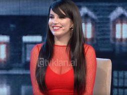 2018-04-17 09_57_08-Ne kurthin e Piter Pan - Armina Mevlani! (16 prill 2018) - YouTube