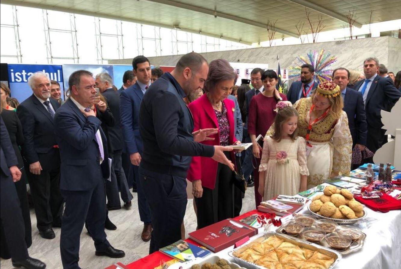 Mbretëresha e Spanjës provon ushqimin tradicional shqiptar