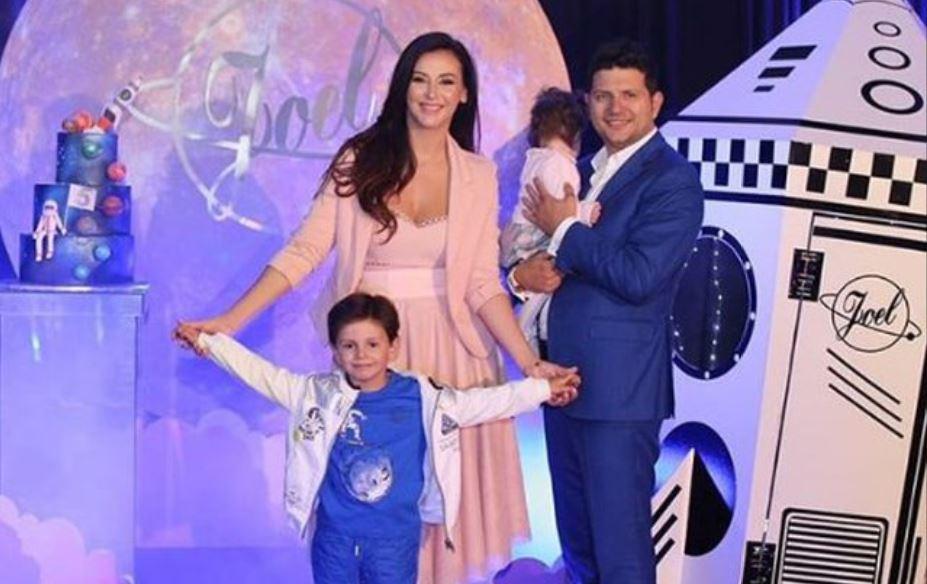 """Ermal Mamaqi publikon një foto të ëmbël me vajzën: """"Sia me bishtalec"""""""