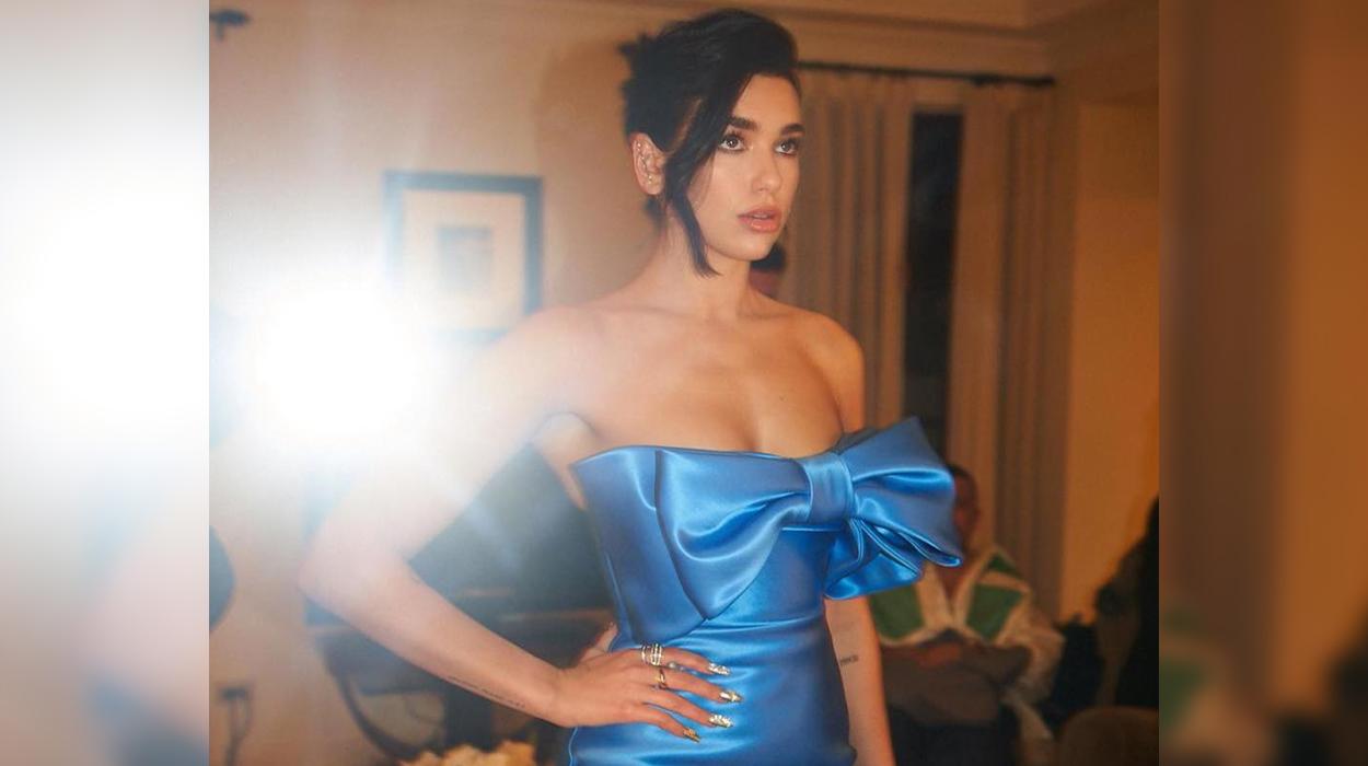 Fituese në çmimet Grammy por Dua na lë pa fjalë me fustanin e çuditshëm