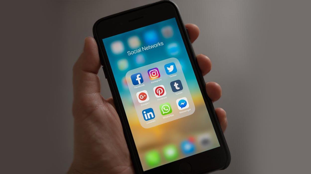 Studimi/ Përdorimi i tëpërt i mediave sociale mund të shkaktojë depresion