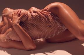 "2019-07-15 15_44_15-Kylie on Instagram_ ""Summer Body 🦋"""