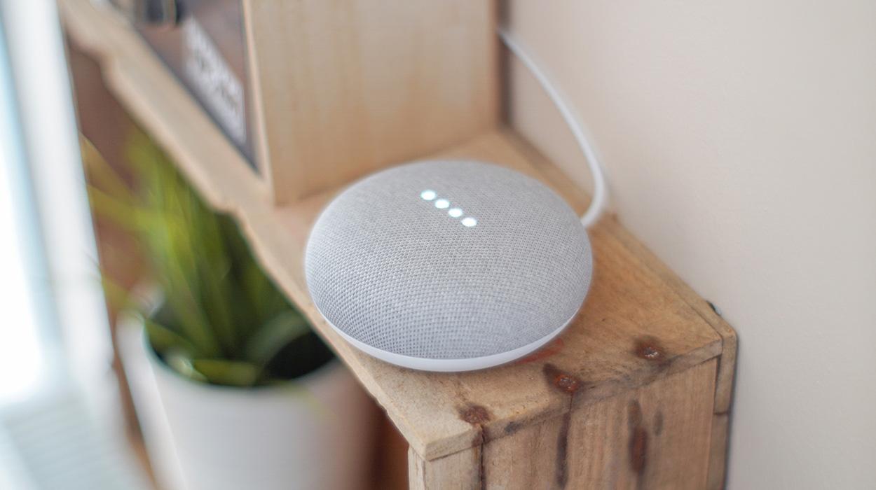 Punonjësit e Google ju përgjojnë në shtëpi, dëgjojnë dhe vlerësojnë regjistrimet audio