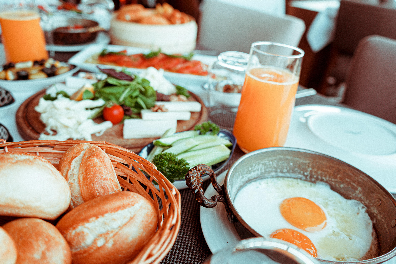 Mos e shmangni mëngjesin, ja çfarë ndodh nëse dilni me stomakun bosh