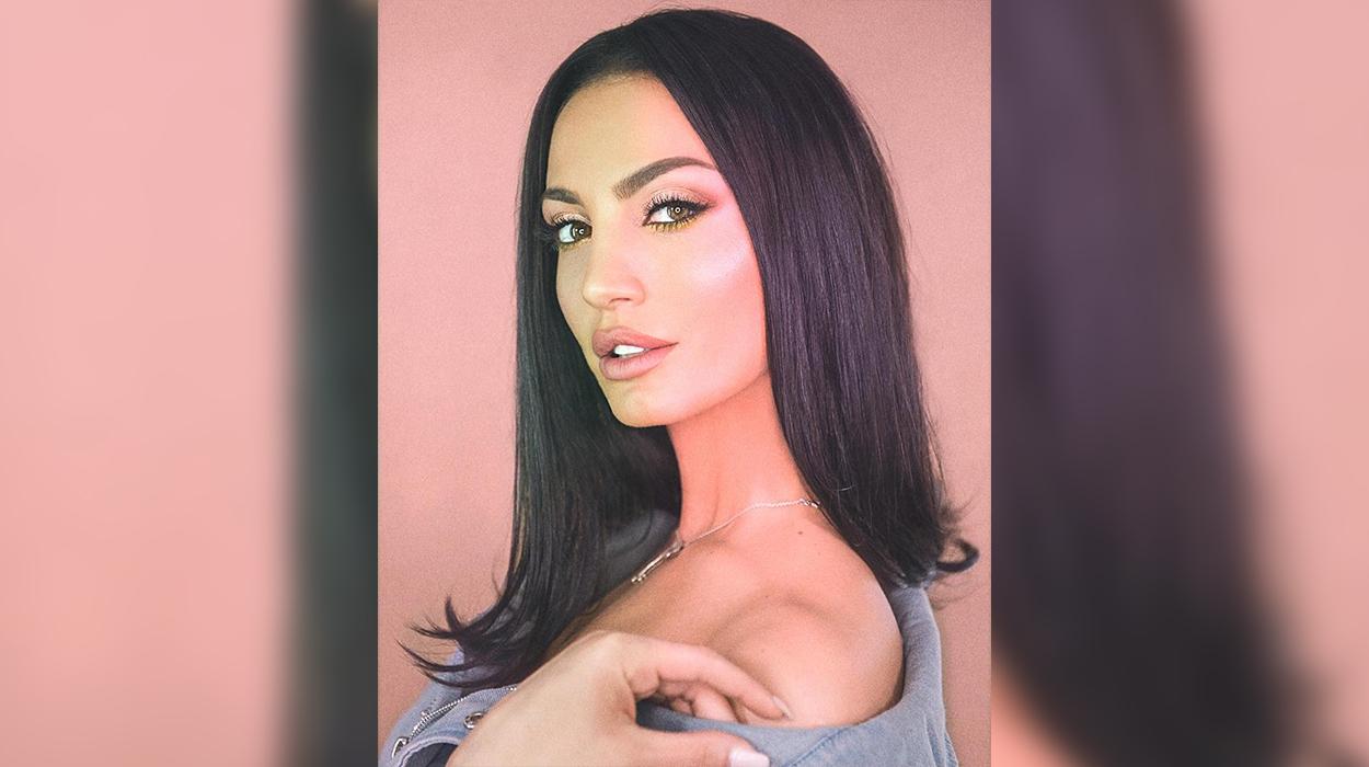 Genta ekspozon gjoksin në foton provokuese, këngëtarja ndez fansat me pamjen e saj