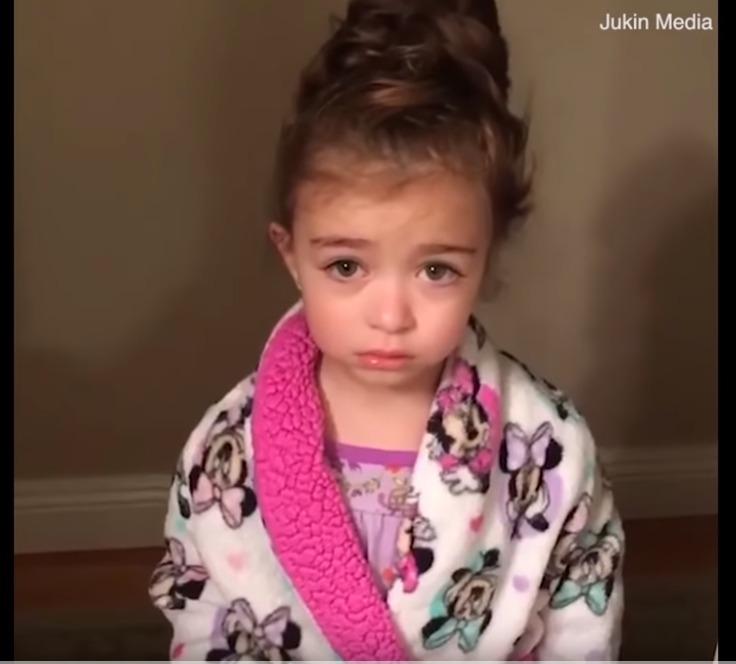 """""""Dua një tjetër mama"""", videoja e kësaj vogëlusheje do t'ju bëjë të qeshni me lotë"""