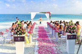 beach-wedding-ceremony-during-daytime-169198
