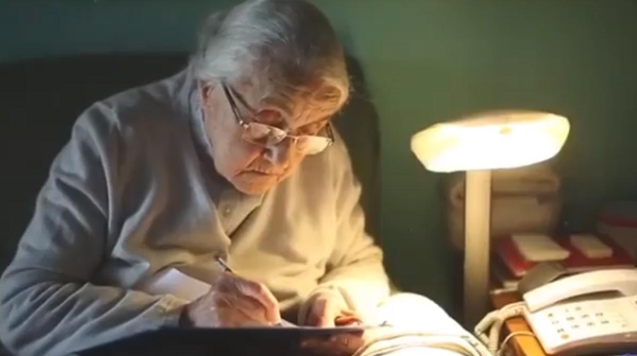 Ndahet nga jeta Nexhmije Hoxha, Rezarta bën dedikimin prekës