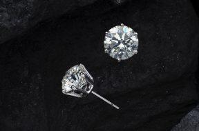 close-up-photo-diamonds-stud-earrings-2735970