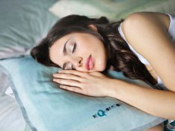 close-up-photography-of-woman-sleeping-914910 (2)