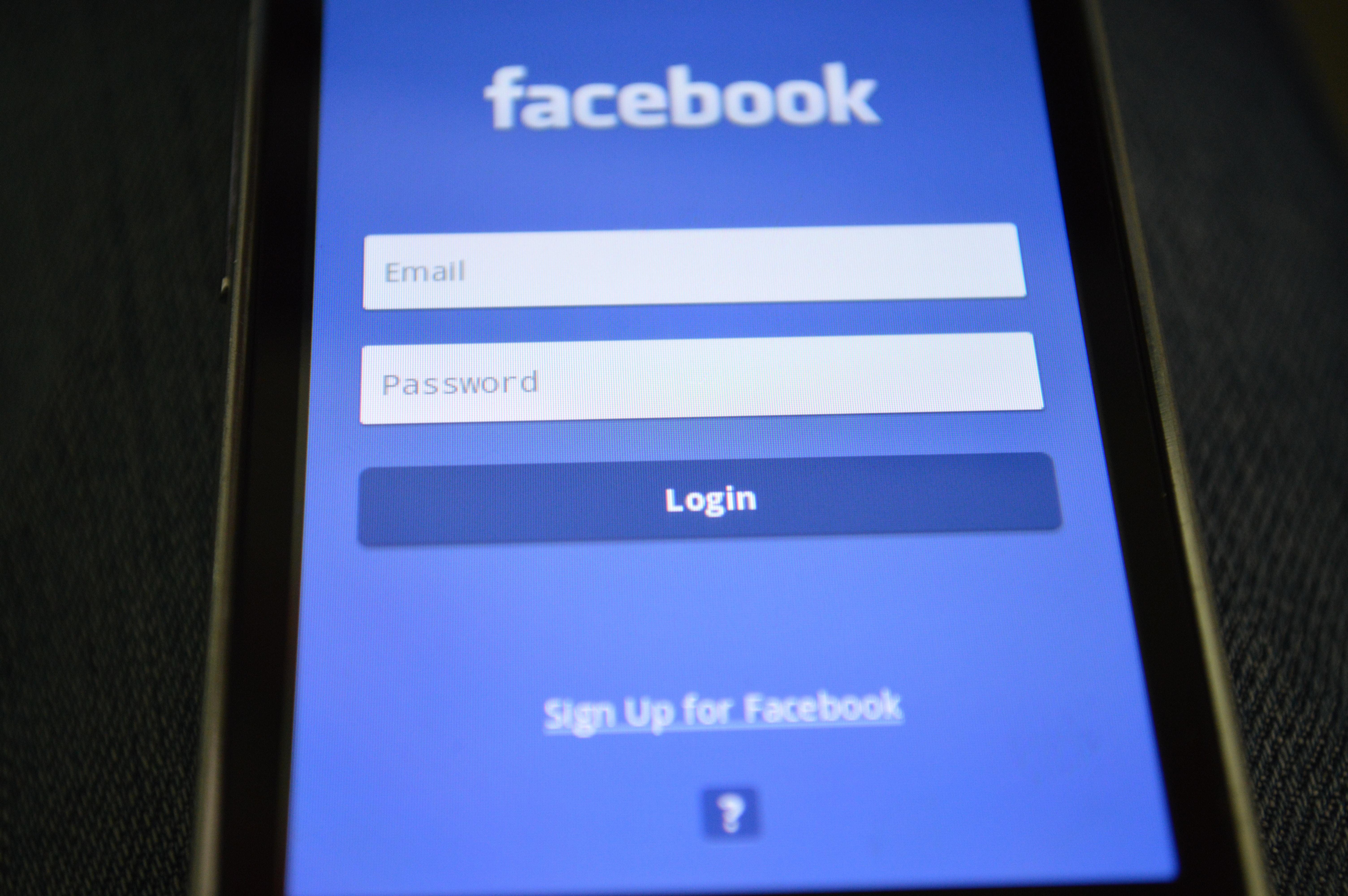Facebook krijon chat special vetëm për çiftet