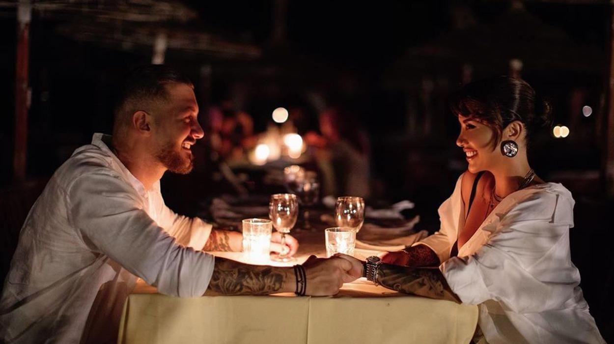"""Plas """"sherri"""" në restorant, ja çfarë ndodhi me Jonidën dhe Romeon"""