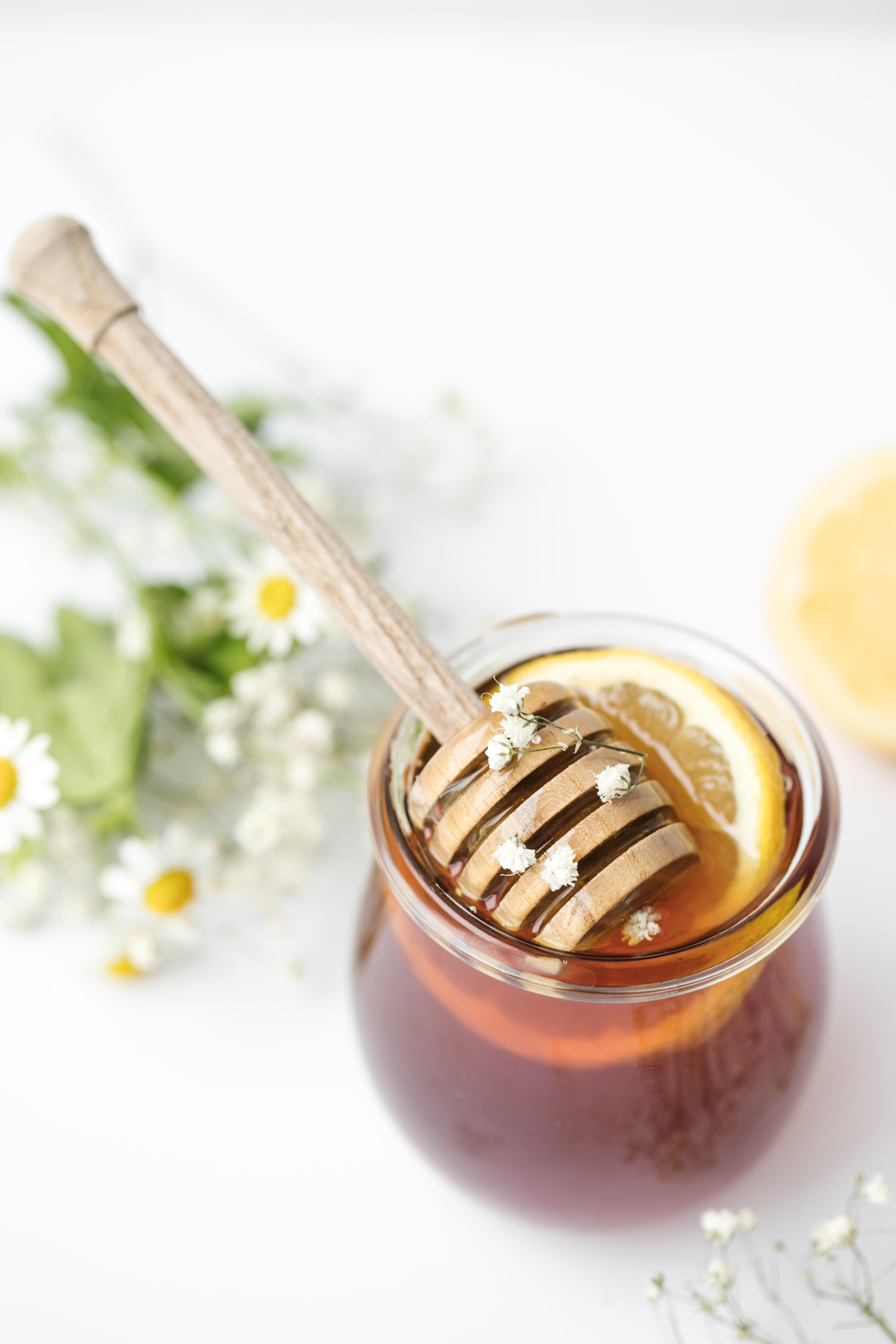 Vaj ulliri, limon dhe mjaltë, kombinimi magjik për organizmin
