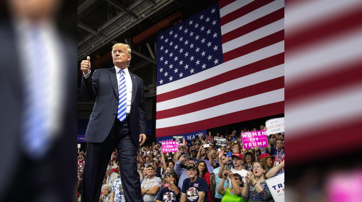 Trump-it i bllokohen pa afat rrjetet sociale, ja çfarë ndodh me të